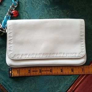 Juicy Couture Bags - JUICY COUTOURE white leather wristlet